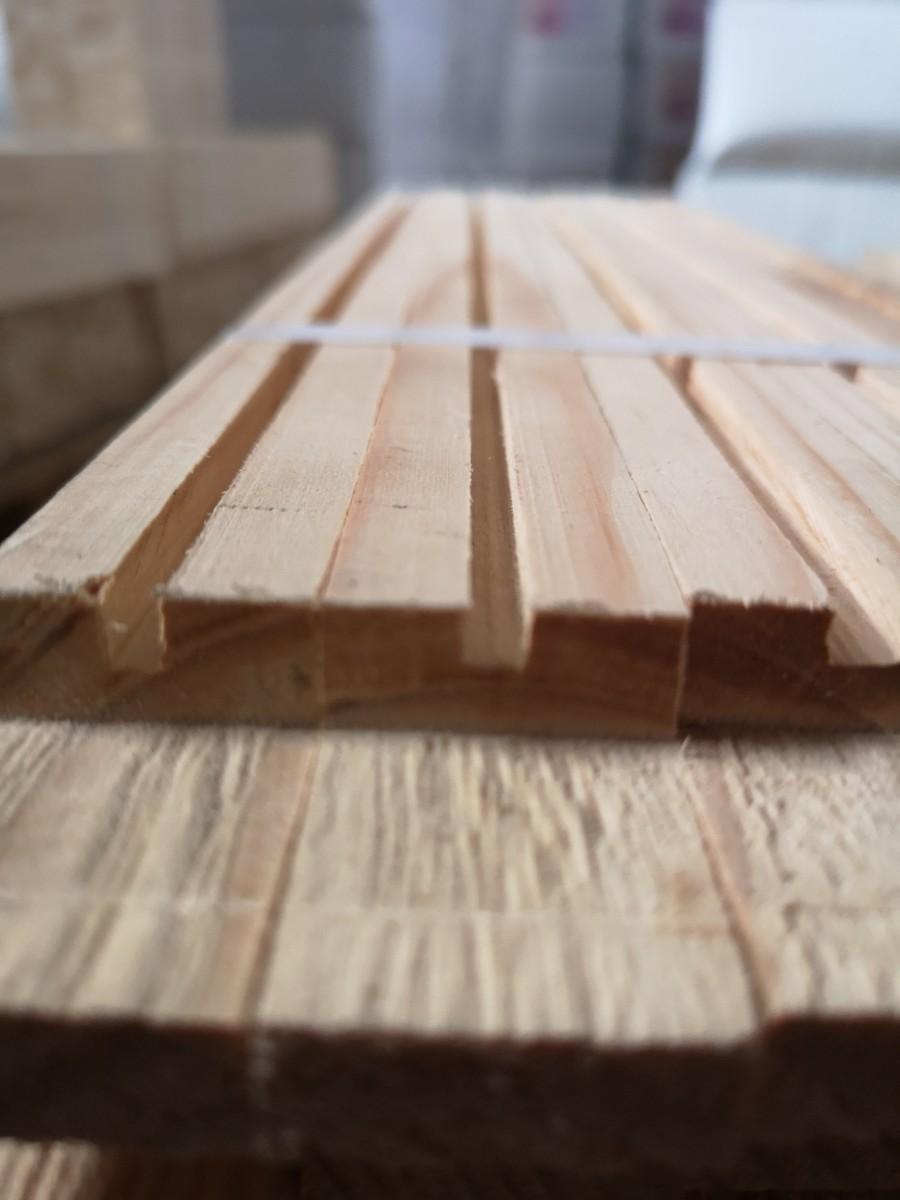 Рамка ульевая  рут 470*230 мм с прорезью для вощины и с отверстиями в боковых планках